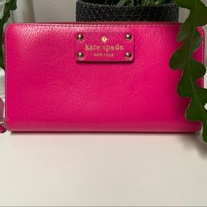 💖 SALE TODAY ONLY Kate Spade snapdragon wallet